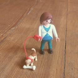 Ein kreatives kleines Set, das die Kinder über Ricardo verkauften: «Schwangere Frau mit Hund«